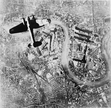 heinkel_he_iii_over_london_7_sep_1940