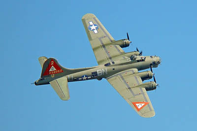 b-17-flying-fortress-3a